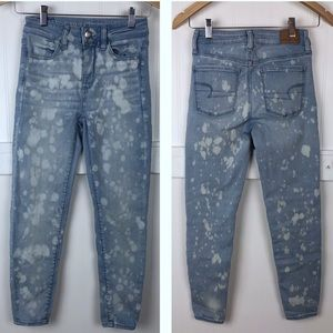 American Eagle | Bleached High Rise Light Jeans